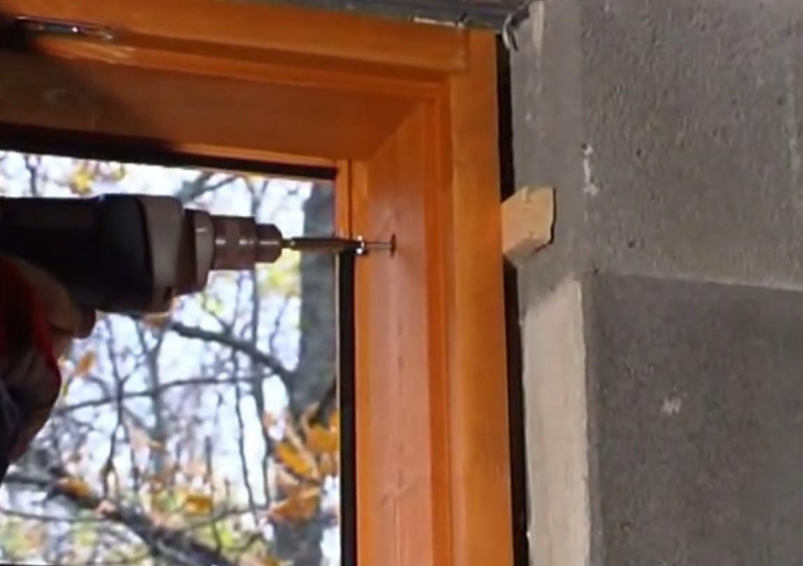 Можно ли самому установить пластиковое окно? отделочные мате.